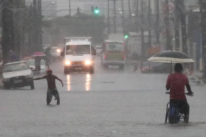 Aviso da APAC de chuva forte.