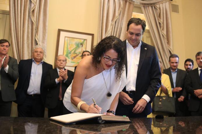Luciana Santos assume governo de Pernambuco pela segunda vez durante viagem de Paulo Câmara