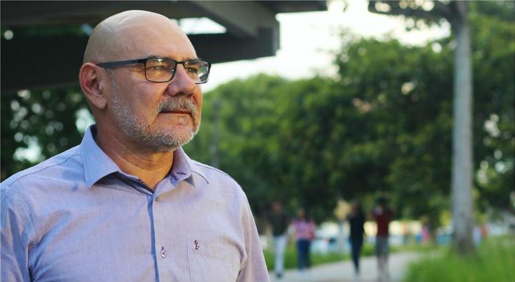 Bolsonaro nomeia Alfredo Macedo Gomes como novo reitor da UFPE