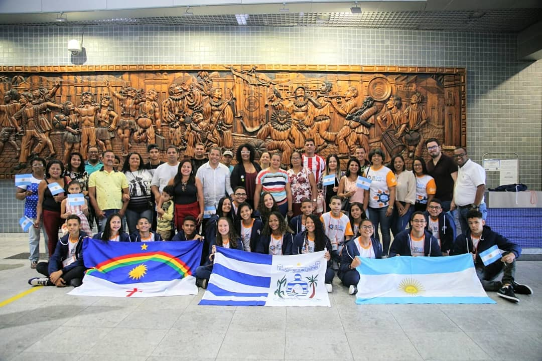 Intercâmbio: Alunos de escolas municipais do Cabo embarcaram para a Argentina