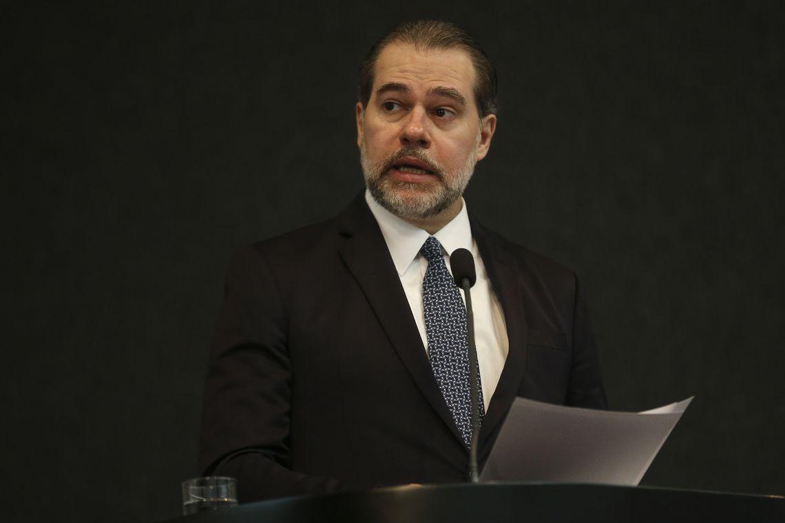 Para Toffoli, corrigir excessos é função do Judiciário
