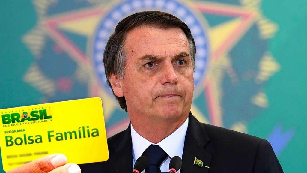 Governo Bolsonaro recua e devolve R$ 83 mi da Secom para Bolsa Família