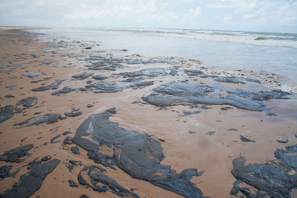Ministro do Turismo anuncia crédito de R$ 200 milhões para áreas afetadas por óleo