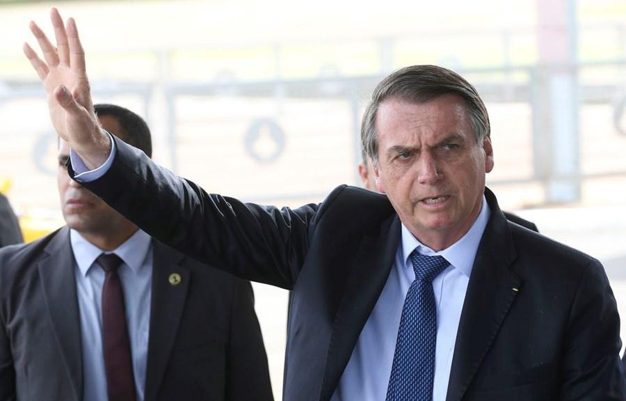 """""""Se alguém grampeou telefone, primeiro é uma desonestidade"""" diz Bolsonaro sobre áudio do afastamento de líder"""