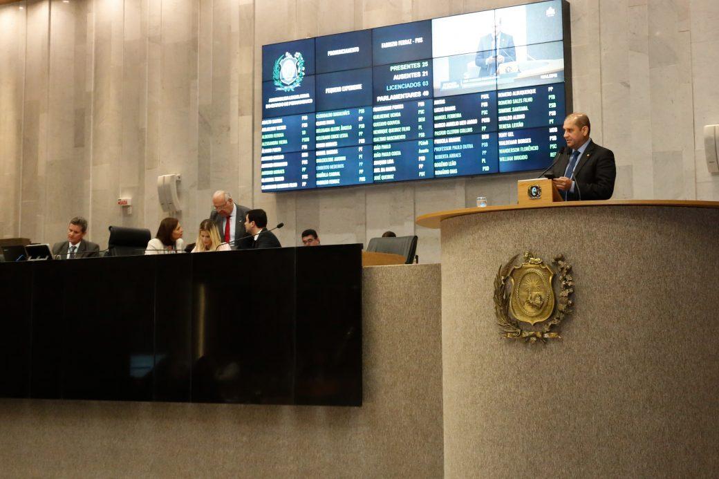 Deputado sugere isenção de taxa para 2ª via de documentos