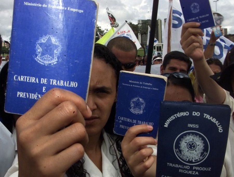 Em abril, Brasil perde mais de 860 mil empregos formais por causa da pandemia