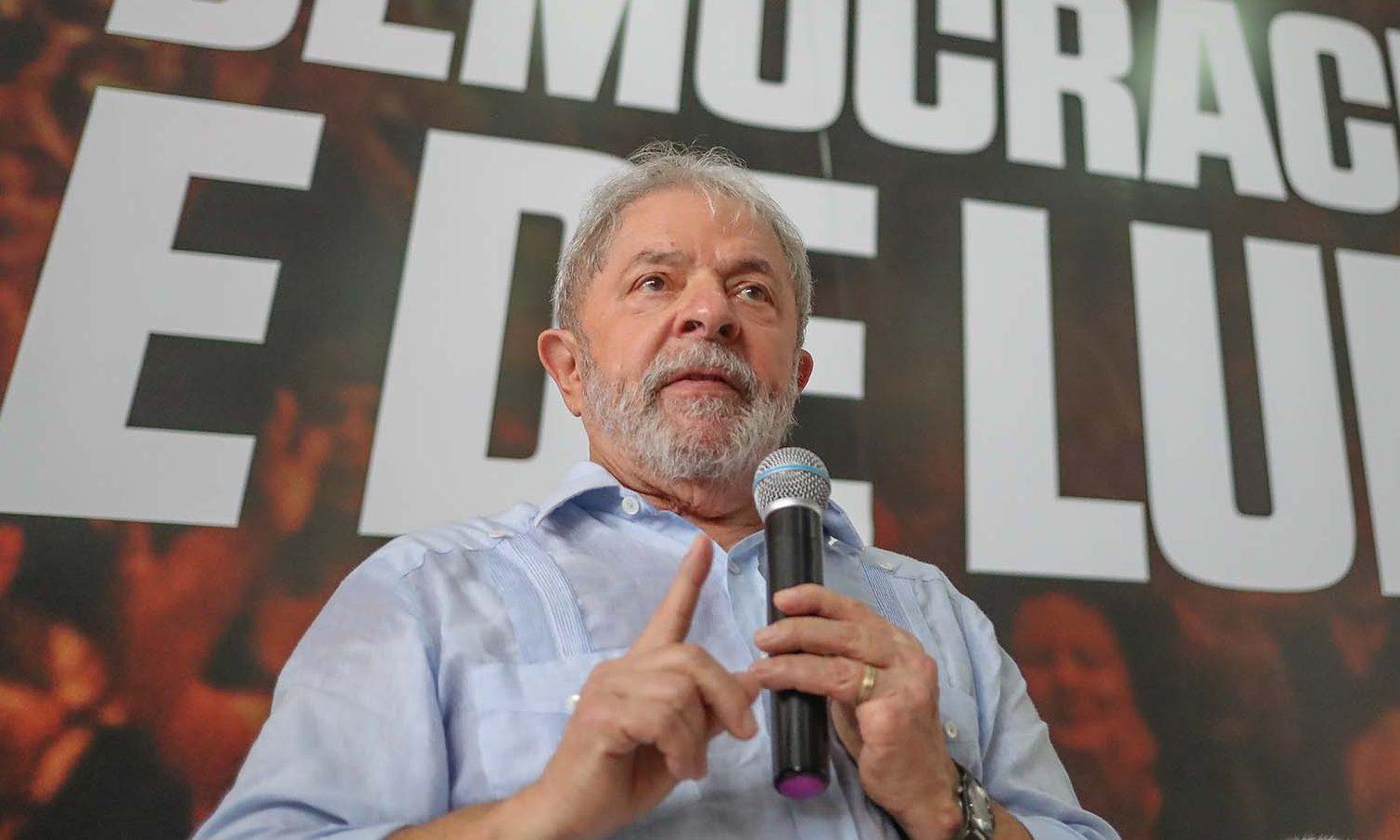 """""""Eu tô com muita vontade de derrotar o fascismo nesse país"""", diz ex-presidente Lula"""