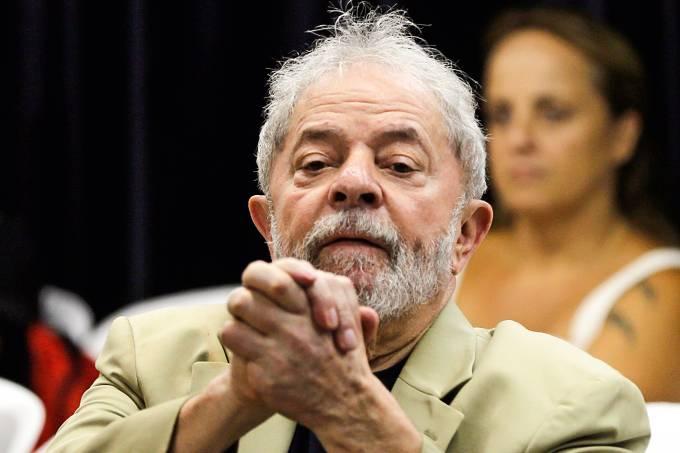"""Em entrevista, Lula compara isolamento com """"prisão domiciliar"""""""