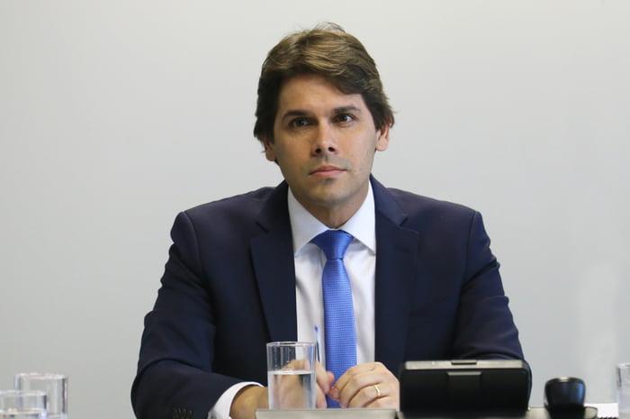 Pernambucano Presidente do INSS pede demissão