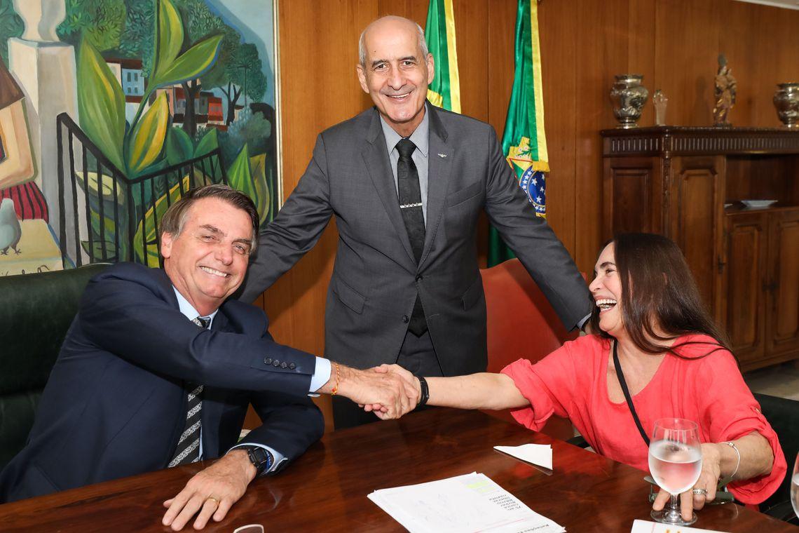 Regina Duarte diz sim e aceita convite para ser secretária de Cultura