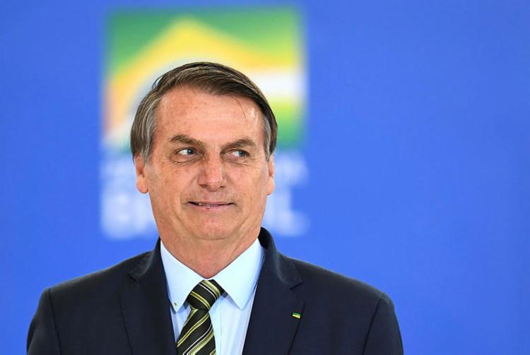 Bolsonaro sanciona fundo eleitoral de R$ 2 bi