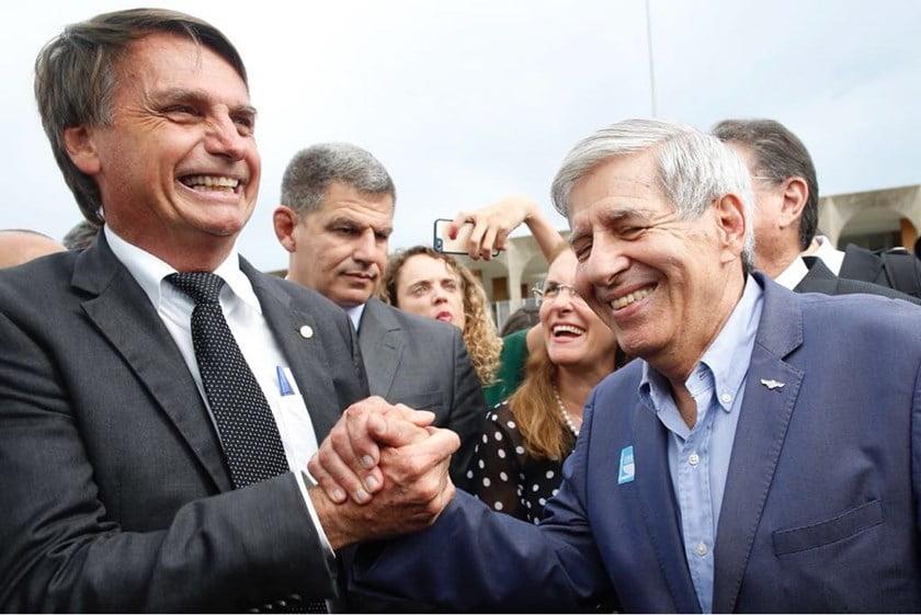 """General Heleno: """"Bolsonaro é símbolo do combate à corrupção"""""""