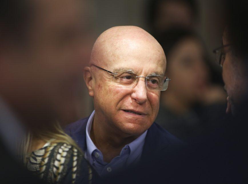 Governo Federal quer privatizar EBC e Correios até 2022