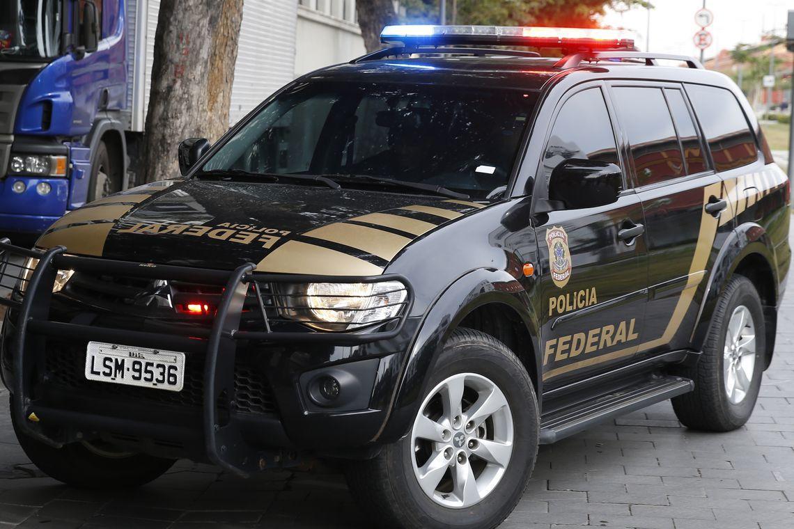 PF recebe líder de organização criminosa que estava preso no Paraguai