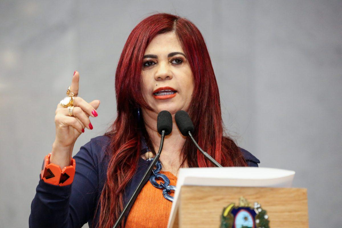 Deputada Gleide Ângelo descarta possibilidade em disputar alguma prefeitura nas próximas eleições