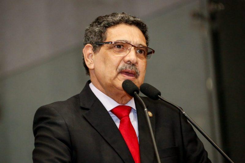 Greve dos petroleiros recebe solidariedade do deputado João Paulo (PCdoB), que também criticou Petrobras