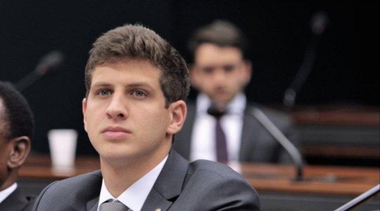 Deputado João Campos protocola pedido de informações sobre o Metrô do Recife