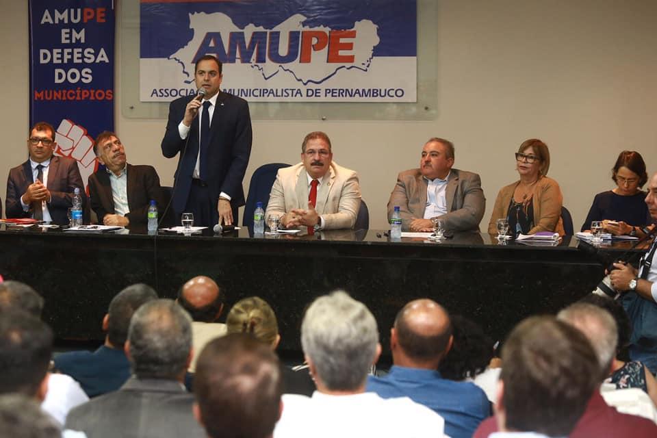 Paulo Câmara anuncia R$ 25,7 milhões em verbas para assistência farmacêutica e Samu de 20 cidades