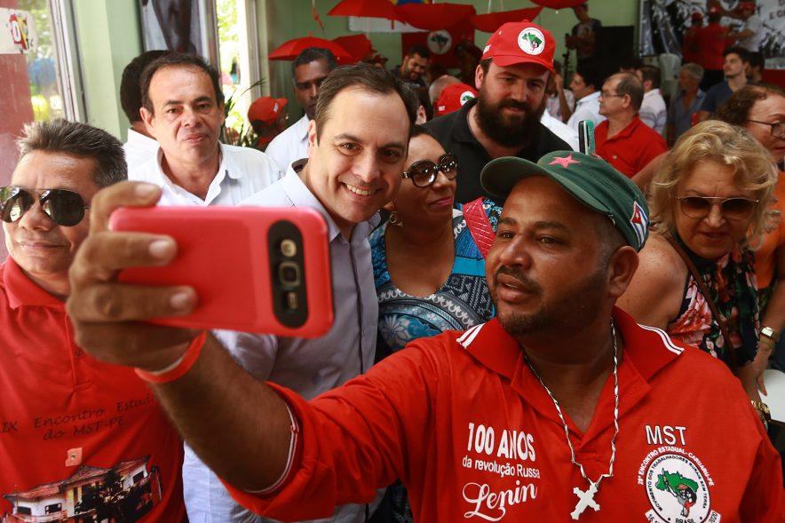 Governador Paulo Câmara participa das comemorações dos 30 anos do (MST) Movimento dos Trabalhadores Rurais Sem Terra