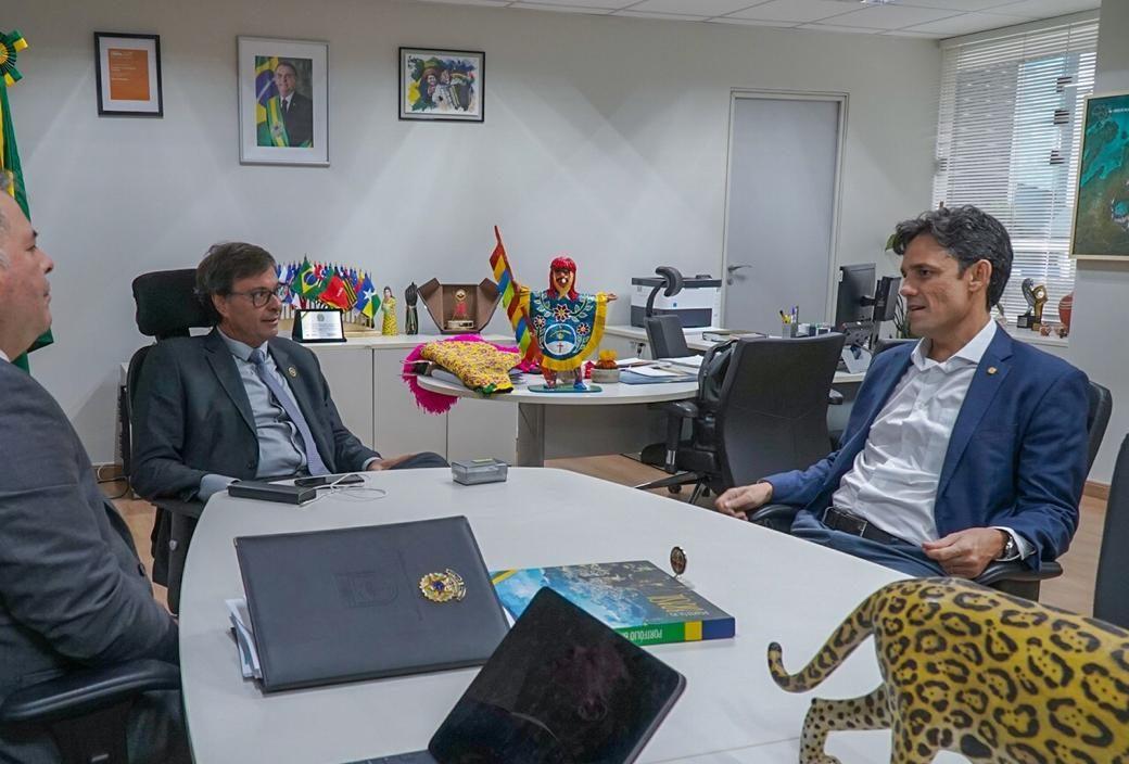Daniel Coelho se reúne com Gilson Machado, em Brasília