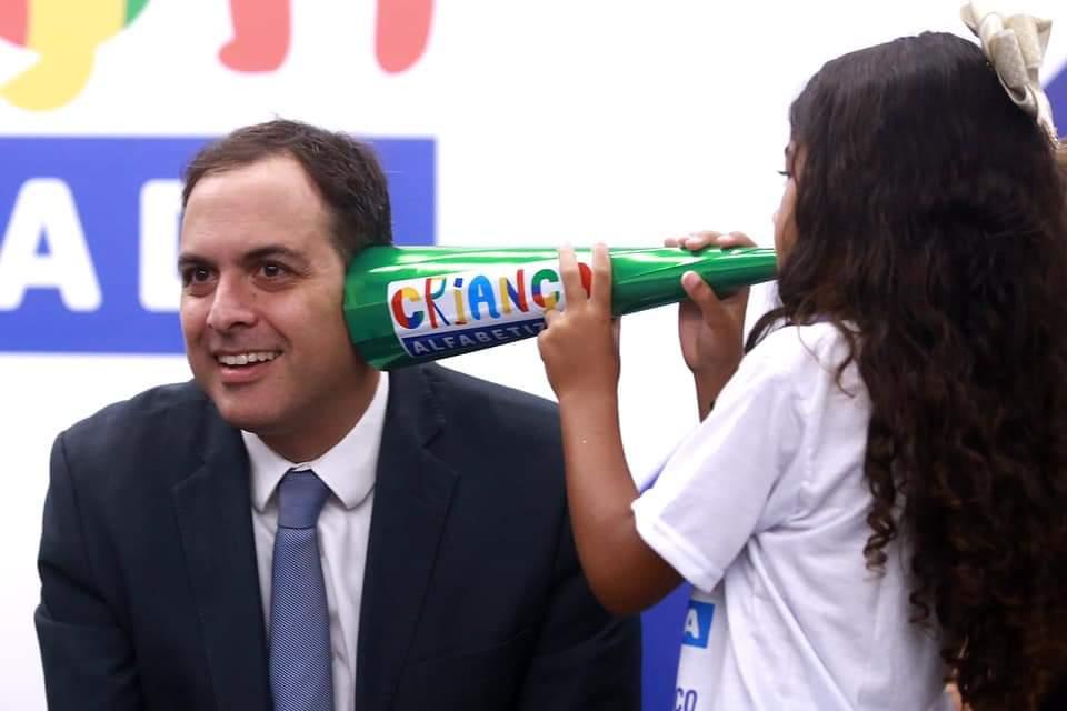 Governador Paulo Câmara anuncia ampliação do Programa Criança Alfabetizada