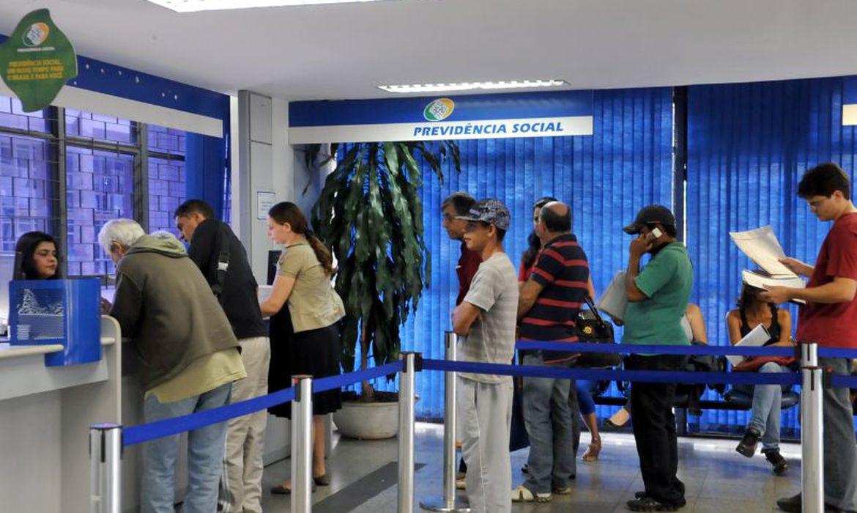Benefícios pagos pelo INSS terão reajustes de 4,48%