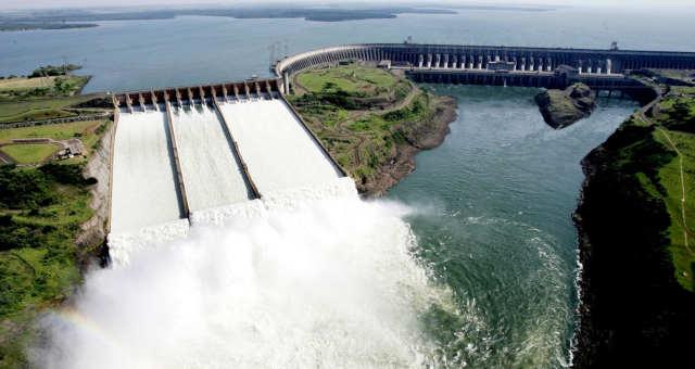 Energia acumulada por Itaipu abasteceria o mundo por 43 dias