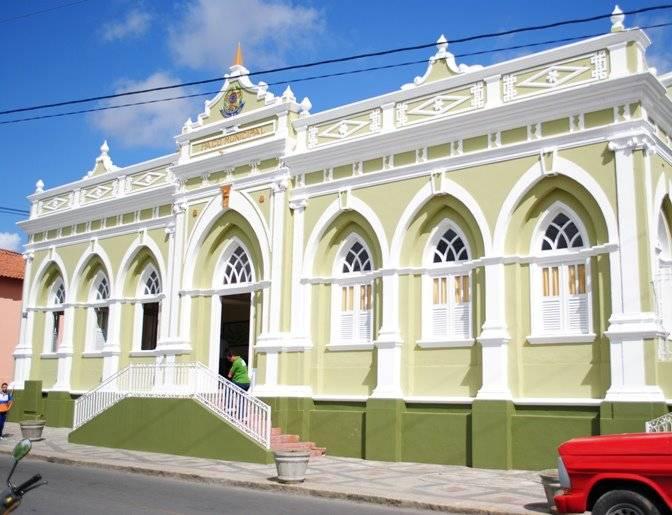 Prefeitura de Gravatá abre Concurso Público com 515 vagas e salários de até R$ 11 mil