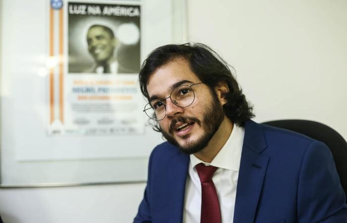 Deputado Túlio Gadelha quer proibição de eventos com aglomerações durante campanha