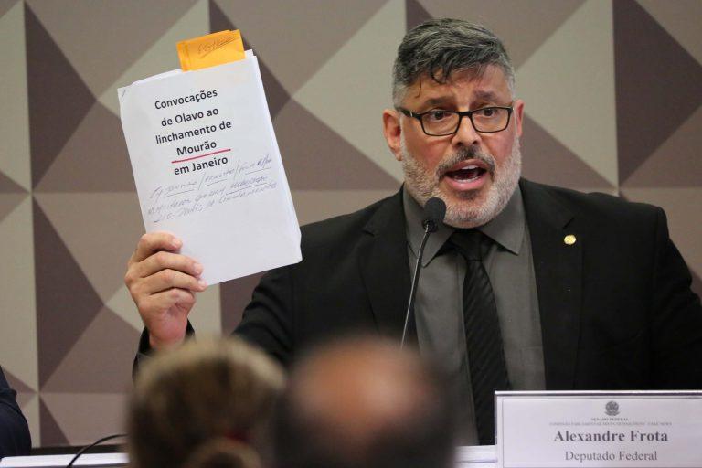 Alexandre Frota entregará pedido de impeachment de Bolsonaro