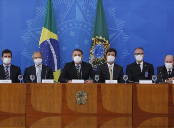 Presidente Jair Bolsonaro durante entrevista coletiva