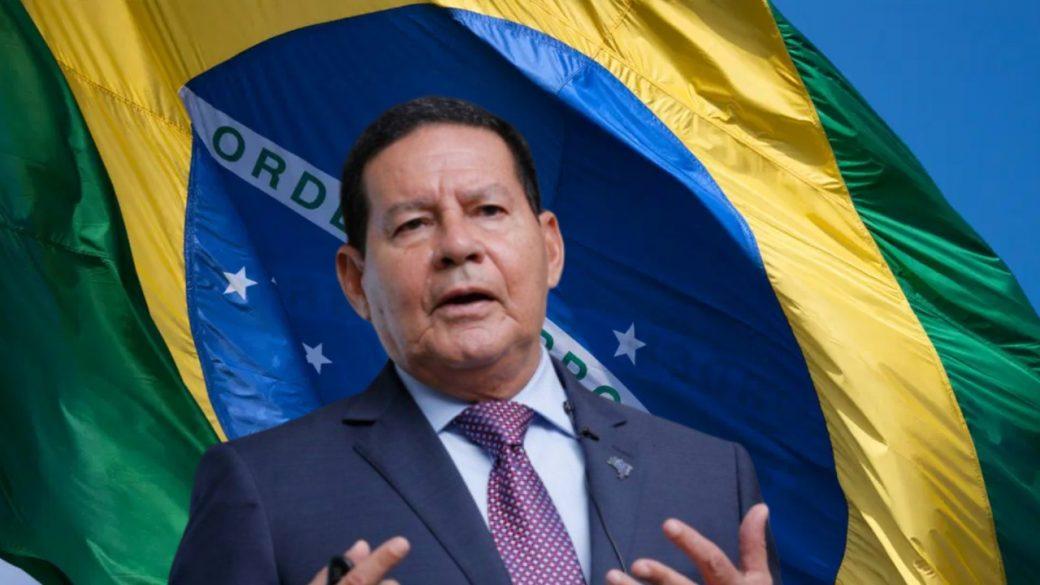 """""""Deixa o cara governar"""", pede Mourão sobre Bolsonaro"""