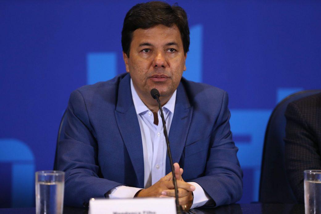 Mendonça alerta ao governador e aos prefeitos para o número muito alto de profissionais de saúde infectados pelo coronavírus em Pernambuco