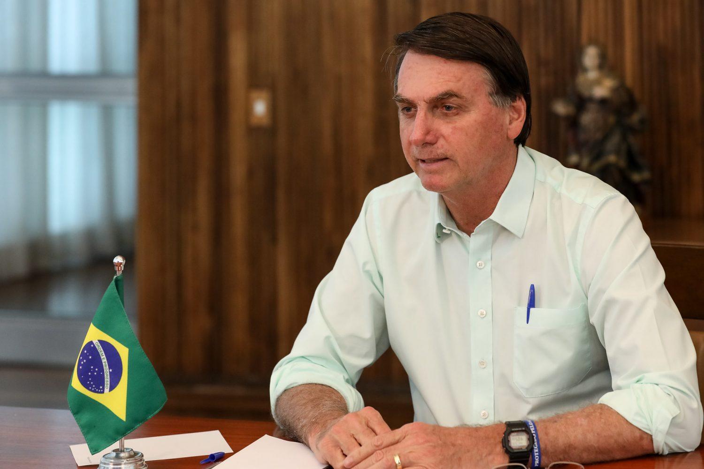 Bolsonaro exige fiscalização de R$ 140 bilhões destinados aos estados e municípios
