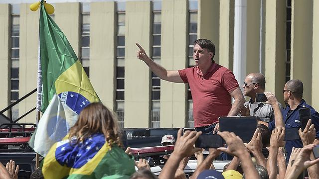 No dia do Exército, brasileiros realizam atos pró-Bolsonaro