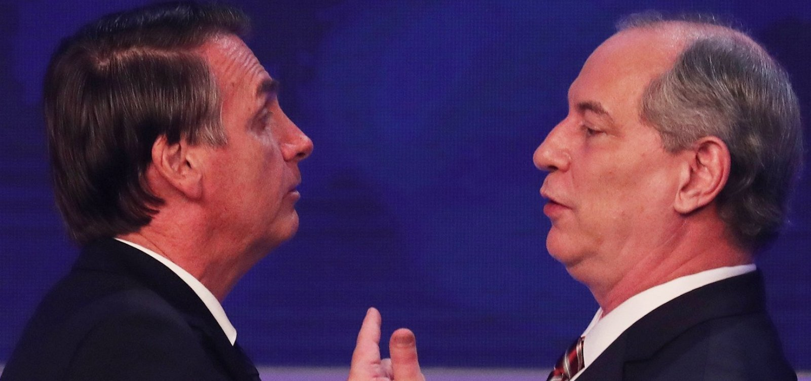 Ciro Gomes compartilha denúncia contra Bolsonaro