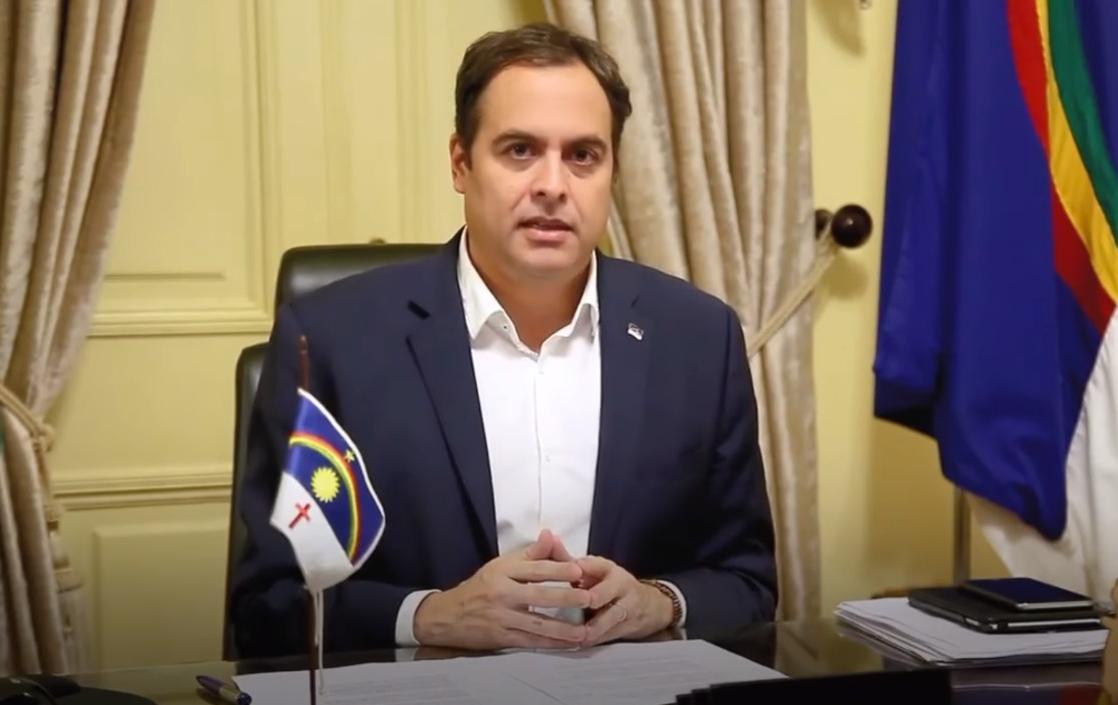 """Paulo Câmara: """"Não é invadindo hospitais e perseguindo gestores que o Brasil vencerá a pandemia"""""""
