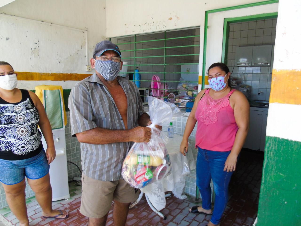 Segunda etapa de distribuição dos kits de alimentação escolar tem início em Abreu e Lima