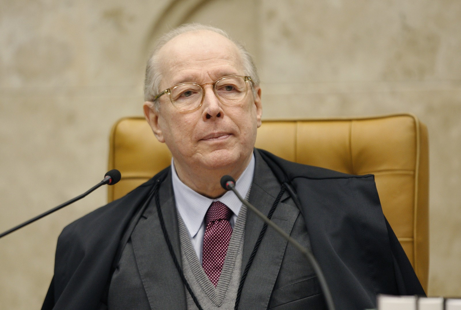 Ministro Celso de Mello antecipa aposentadoria do STF