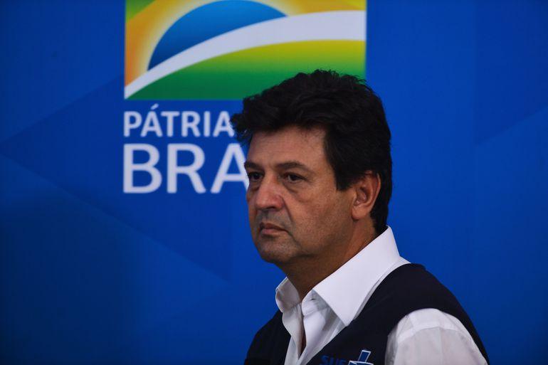 """""""Quem lidera no Brasil é o coronavírus"""", diz Mandatta"""