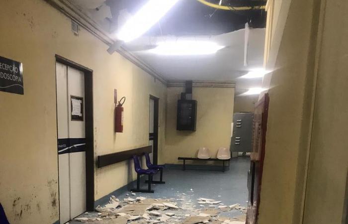 Teto do Hospital Getúlio Vargas desaba mais uma vez