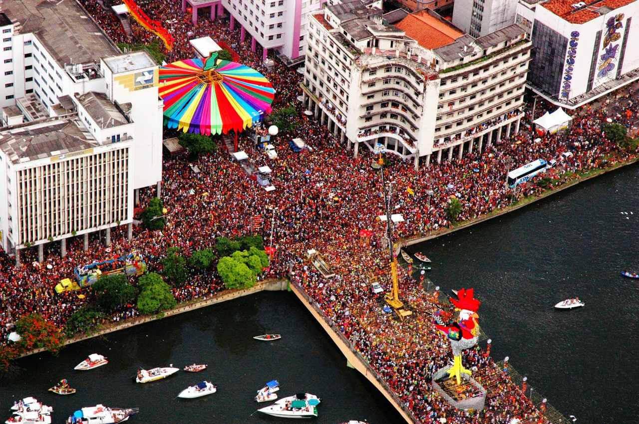 Estudo aponta que coronavírus chegou ao Brasil antes do Carnaval