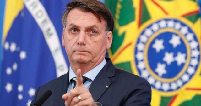 """Bolsonaro: """"O governo jamais vai congelar salários de aposentados ou reduzir o BPC"""""""