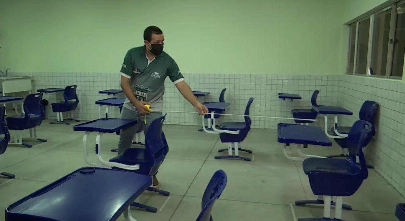 Professores da rede estadual decretam greve por causa da volta às aulas presenciais