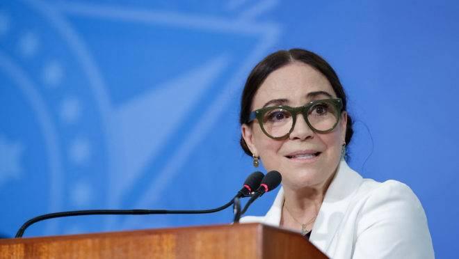 Regina Duarte é oficialmente exonerada da Secretaria Especial de Cultura