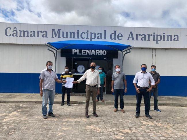 Vereadores denunciam superfaturamento em compra de máscaras feita pela Prefeitura de Araripina