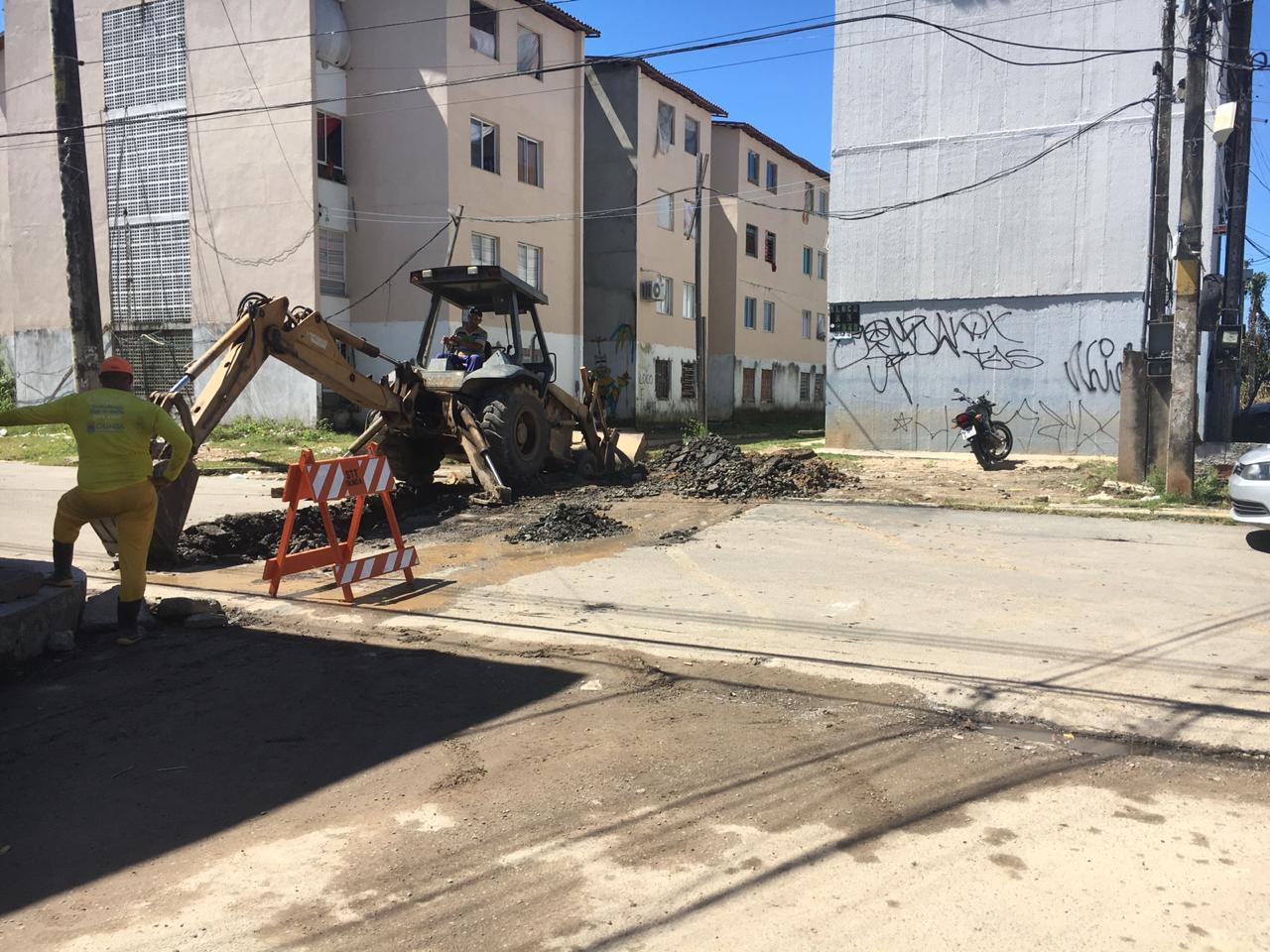Prefeitura de Olinda executa obra de drenagem na Avenida Antônio da Costa Azevedo