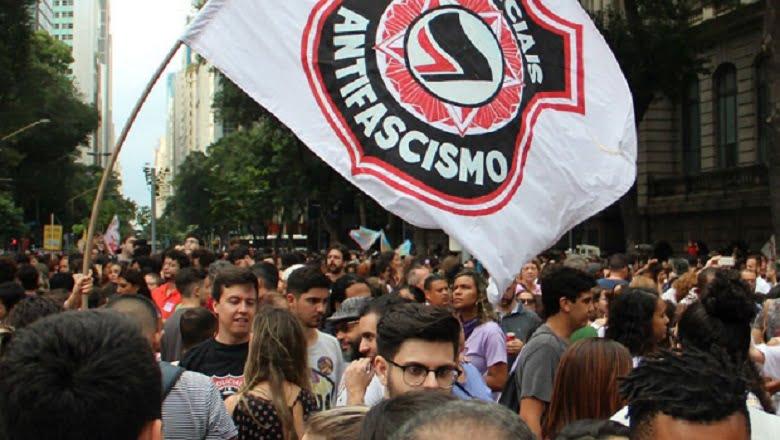 PT pede ao STF proteção de militantes da Antifa expostos em dossiê de deputado do PSL
