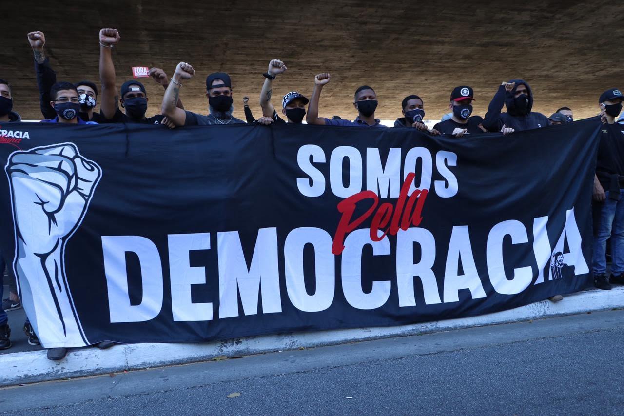 Manifestantes na Av.Paulista