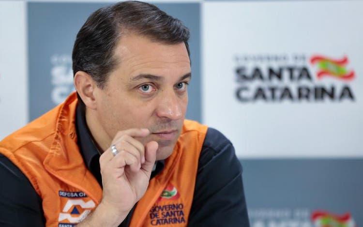 Governador Carlos Moisés nega participação na compra de respiradores